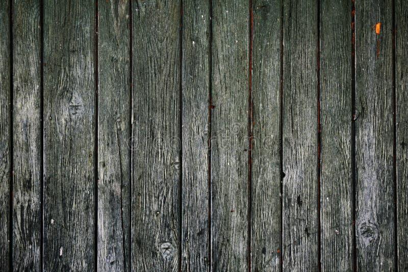 Gammal träport, plankor med sprucken målarfärgtextur fotografering för bildbyråer