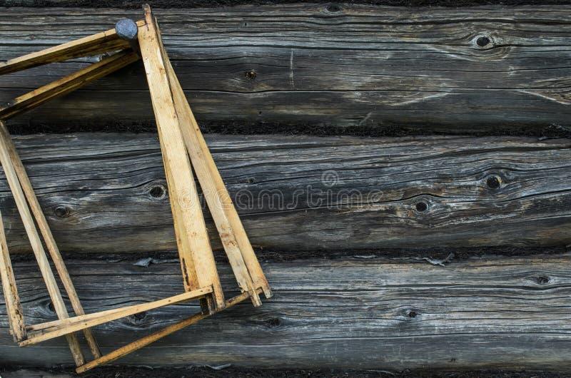 Gammal trätextur för bakgrund för vägg för journalhus arkivbilder