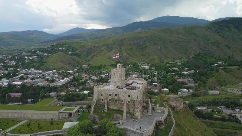 Gammal turismdragningsslott i Georgia Country royaltyfria bilder