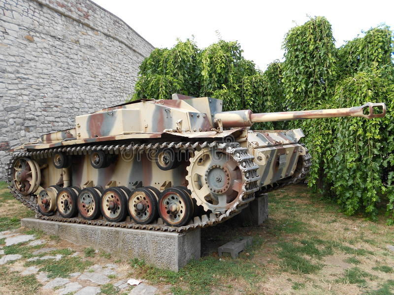 Gammal tysk behållare, StuG III ausf f/8 arkivbilder