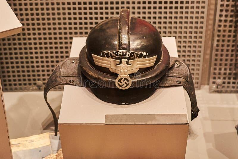 Gammal tysk militär hjälm av världskrig II arkivfoton
