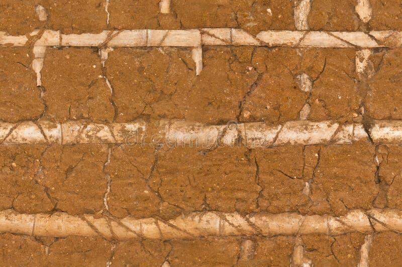 gammal vägg för lera arkivbild