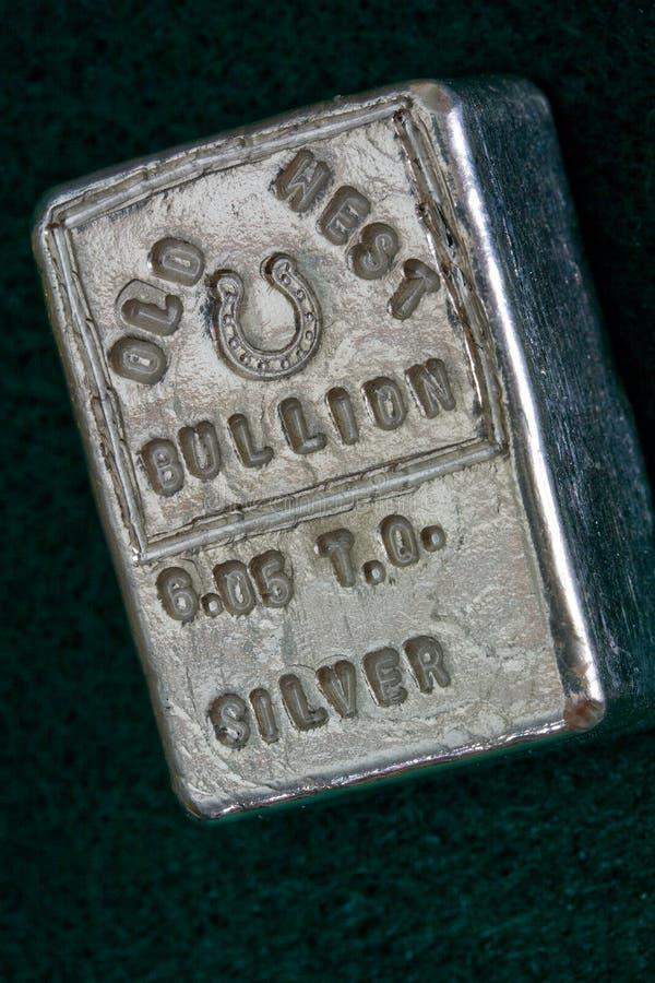GAMMAL VÄSTRA GULDTACKA - 6 05 Troy Ounce Silver Bar royaltyfria bilder