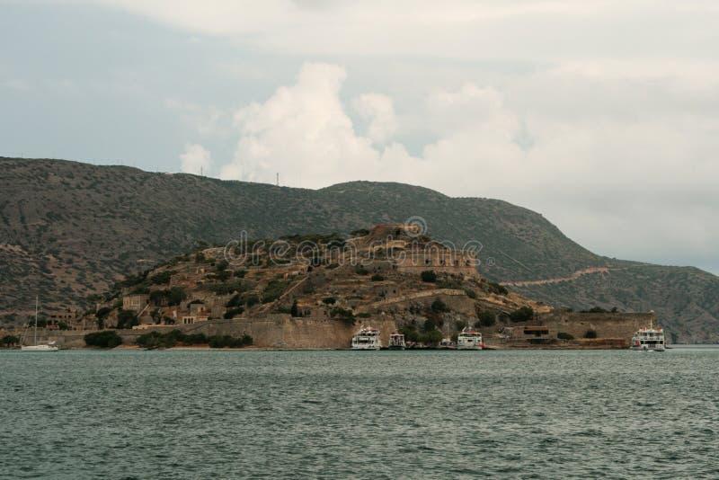 Gammal venetian fästning på den Spinalonga ön, Kreta, Grekland fotografering för bildbyråer