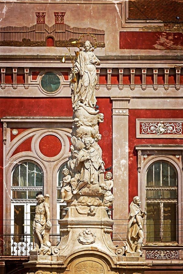 Gammal vykort med epidemistatyn i Liberty Square Timisoara Ro royaltyfri foto