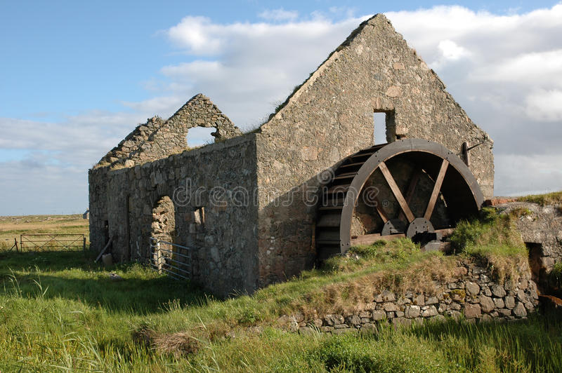 gammal watermill arkivbild