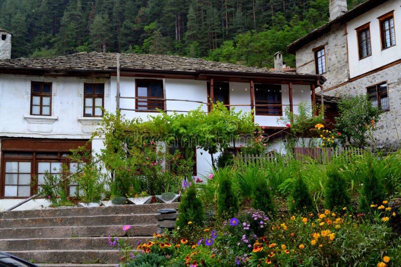 gammala bulgarian hus royaltyfri foto
