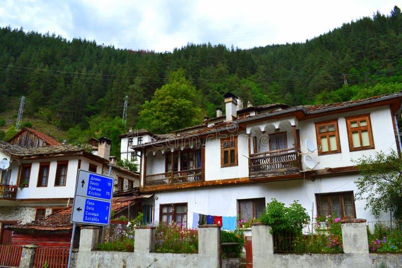 gammala bulgarian hus royaltyfri bild