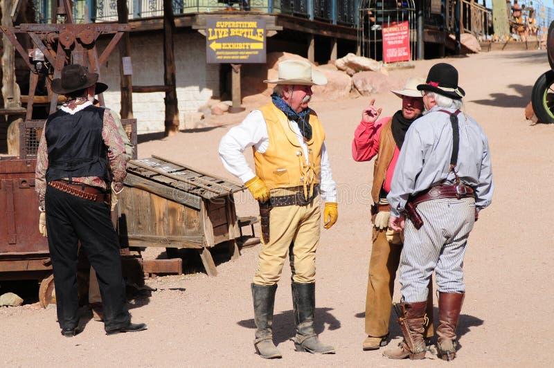 gammala cowboygunfighters royaltyfria foton