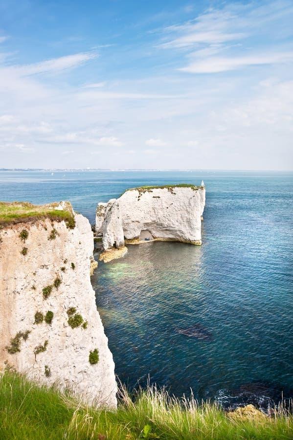 Gammala Harry vaggar Jurassic seglar utmed kusten UNESCO England royaltyfria foton