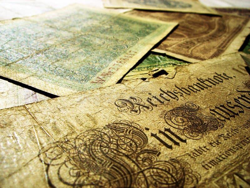 gammala pengar royaltyfria bilder