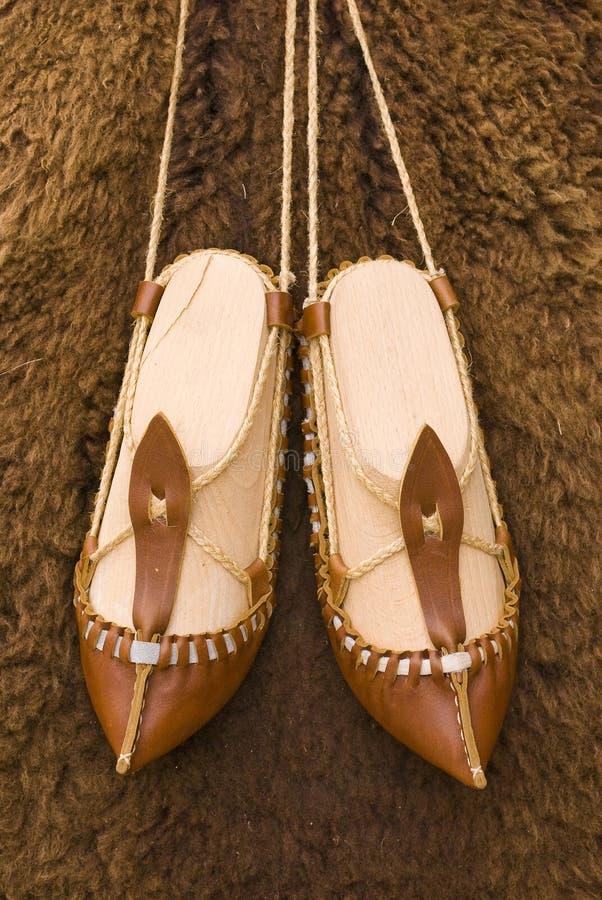 gammala sandals arkivbilder