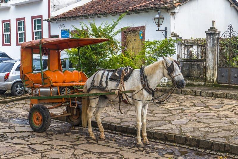 gammala släp för häst arkivfoto
