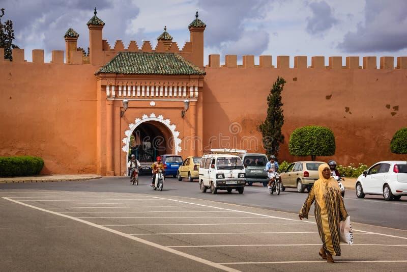 gammala väggar för stad Bab El Arhdar marrakesh morocco arkivfoto