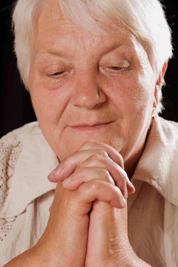 gammalare kvinna för stående s fotografering för bildbyråer