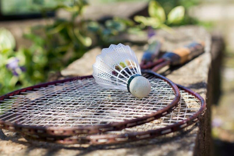 Gammalmodig badmintonracket royaltyfri bild