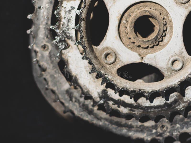 Gammalt använt tomt utrymme för cykelcranksetith arkivbilder
