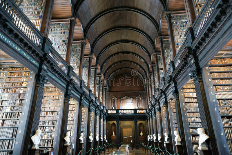 Gammalt arkiv, Treenighethögskola, Dublin, Irland
