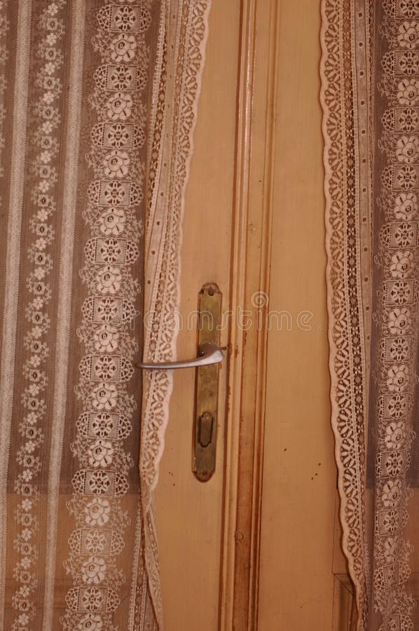 gammalt dörrhandtag royaltyfria bilder
