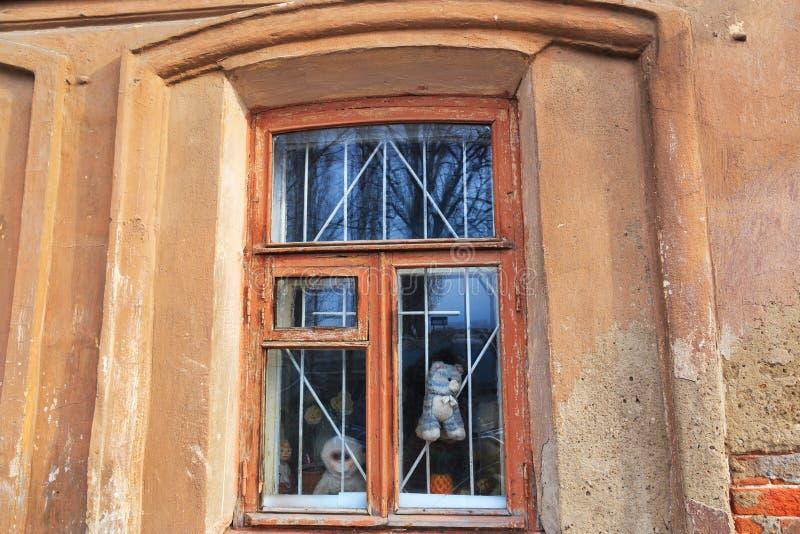 gammalt fönster för hus royaltyfri foto