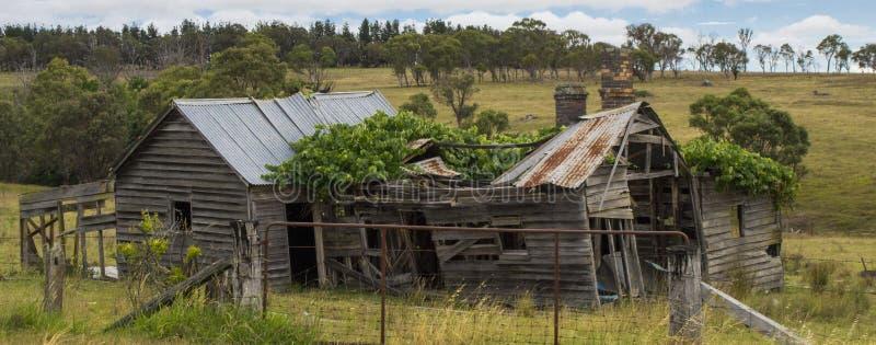 Gammalt förfallet hus nära Coonabarabran, New South Wales, Australien arkivfoto