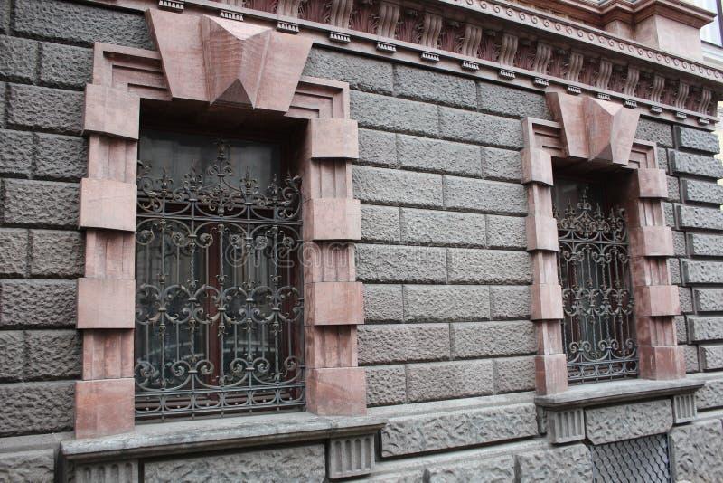 gammalt f?nster f?r hus arkivbild