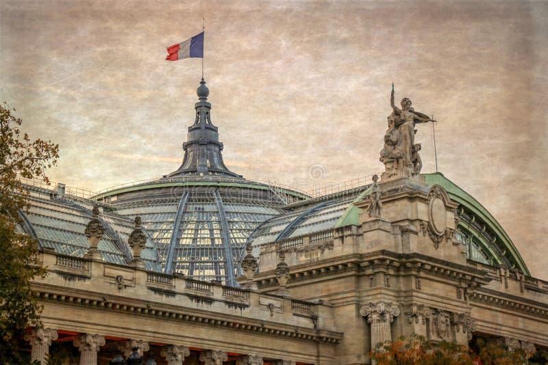 Gammalt foto med detaljen av Grand Palais i Paris, Frankrike royaltyfri foto