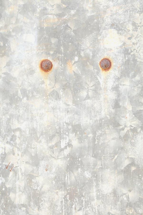 Gammalt galvaniserat rostigt täcker mönstrat royaltyfri bild