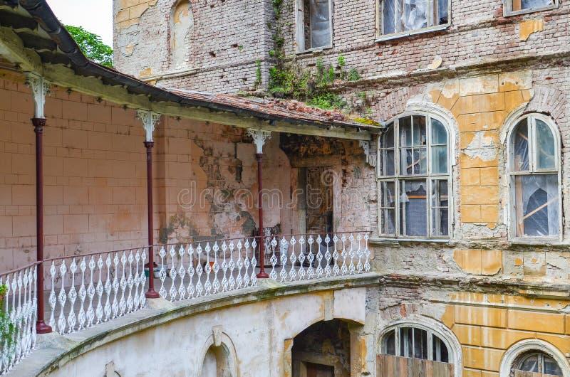 Gammalt historiskt hus royaltyfria bilder