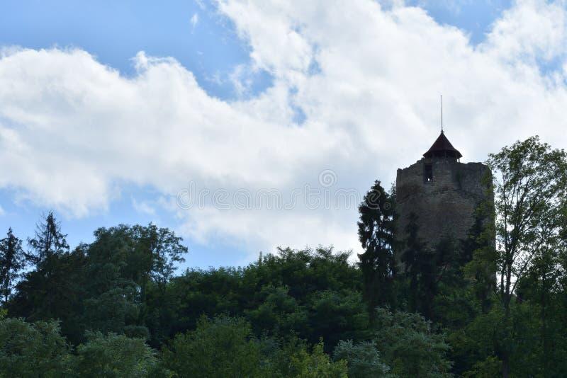 Gammalt historiskt torn Czchow Polen arkivbilder