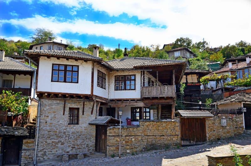 Gammalt hus, Bulgarien arkivfoton
