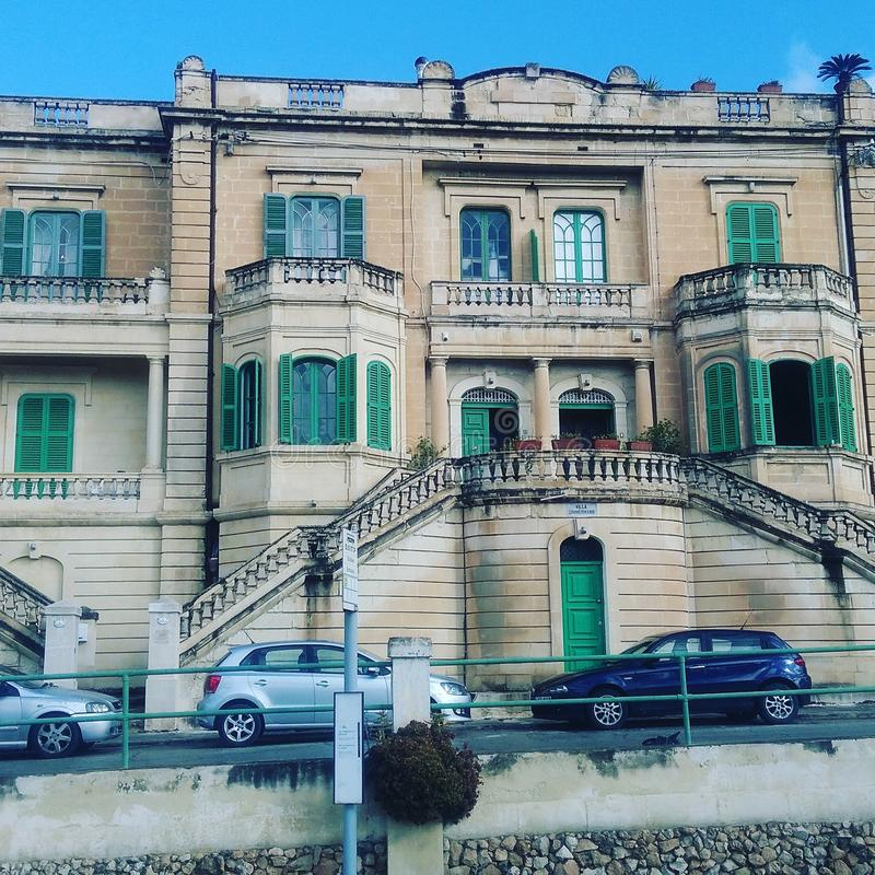 Gammalt hus i Malta arkivbilder