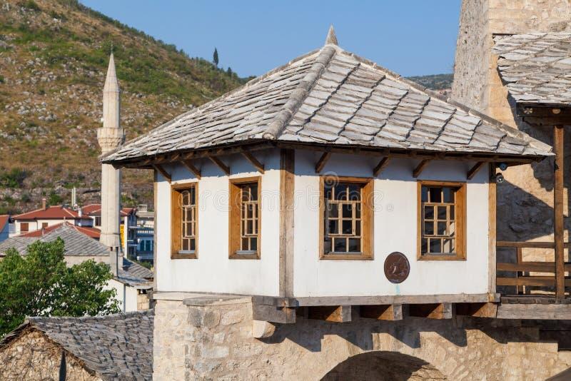 Gammalt hus i Mostar arkivbild