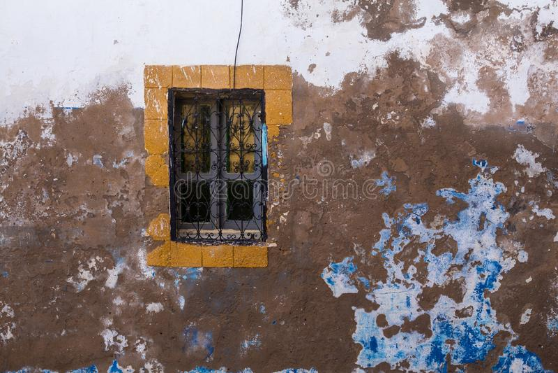 Gammalt husfönster, Safi, Marocko arkivbild