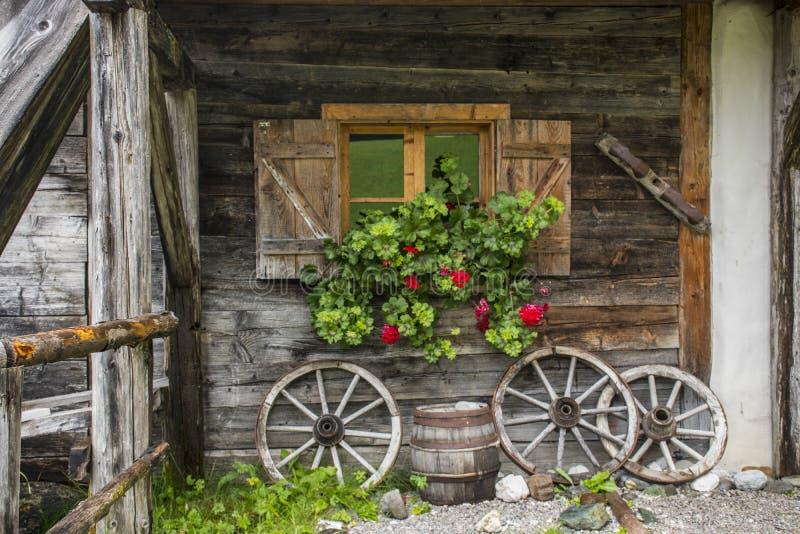 Gammalt lantbrukarhem fotografering för bildbyråer