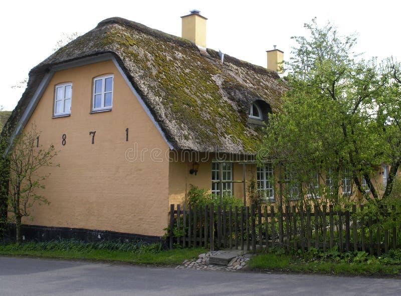 gammalt lantgårdhus royaltyfria bilder