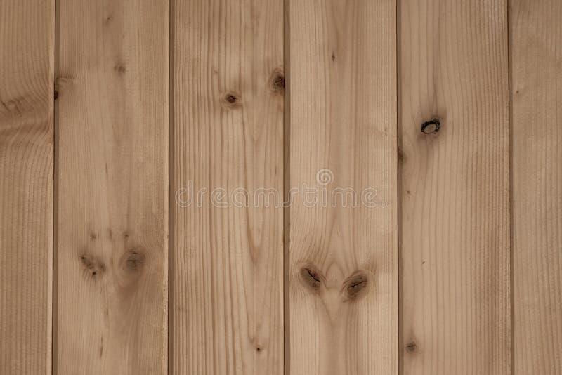 Gammalt ljust vitt träbräde ljusa naturliga t?mmer tabellen   Träig ladugård Brunt tr?skrivbord Staketvinta arkivfoto