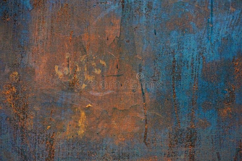Gammalt metallark av järn med rostabstrakt begreppbakgrund arkivbild