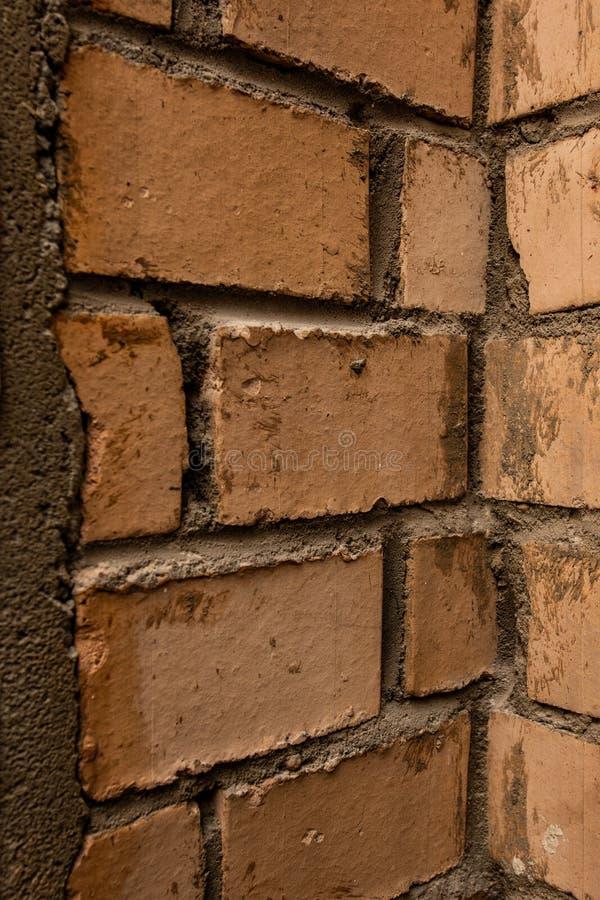Gammalt murverk, inre hörn av väggen royaltyfri bild