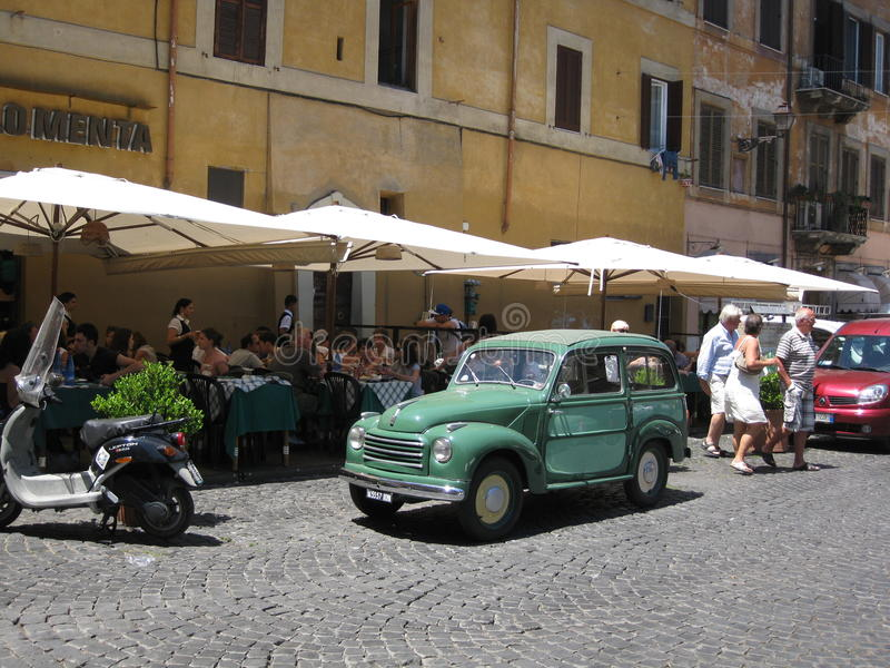 Gammalt och äldre blanda in Rome royaltyfria foton