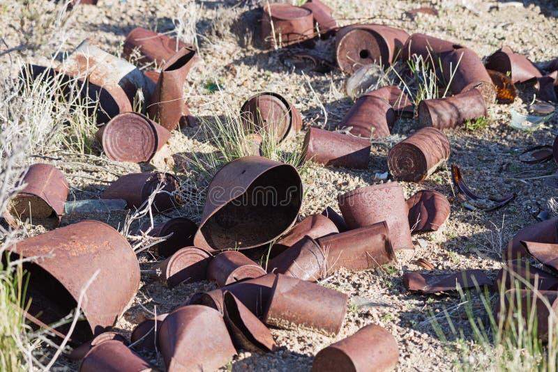 Gammalt på burk i öknen arkivfoto