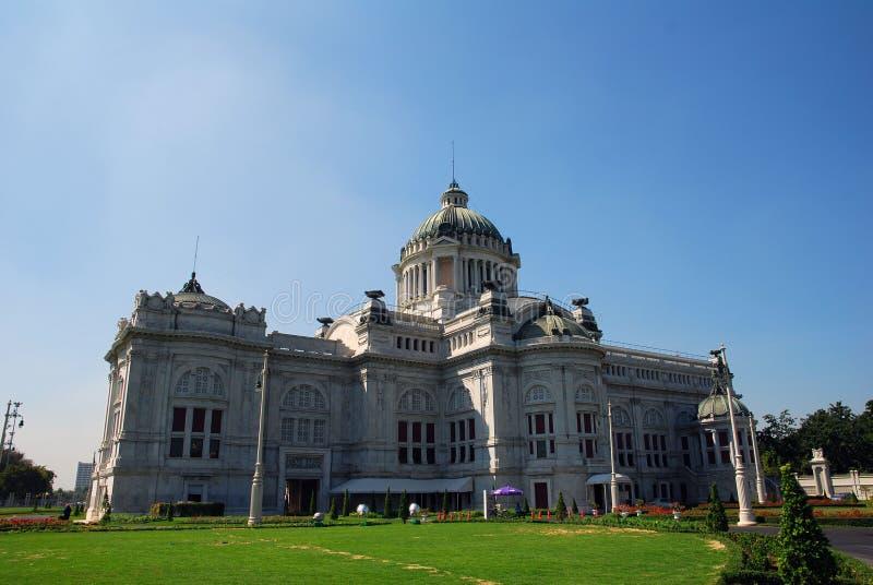 Gammalt parlamenthus royaltyfria foton
