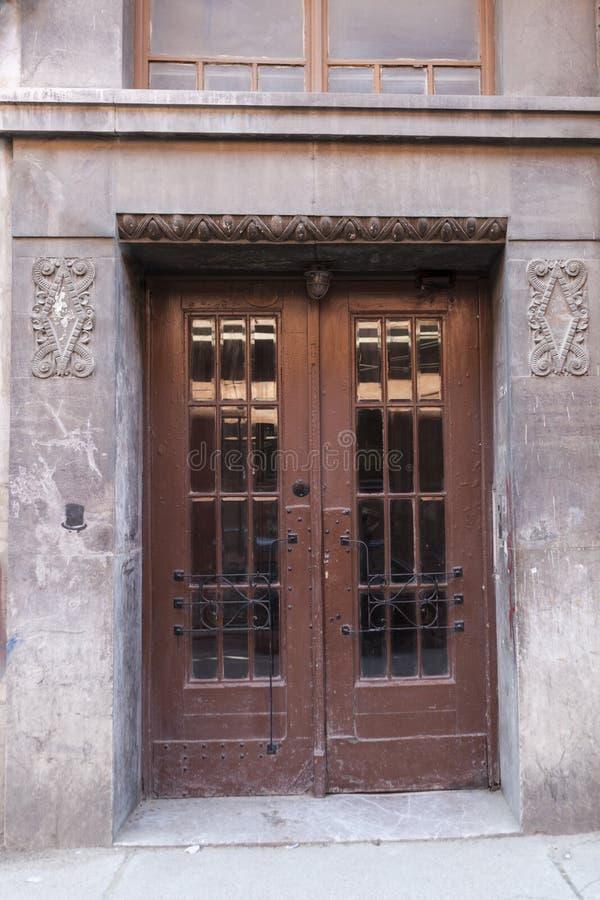 gammalt rostigt för dörr arkivbild