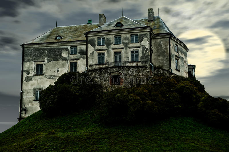 gammalt ruskigt för slott arkivbilder