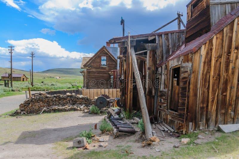 Gammalt sågverk i Bodie arkivbilder