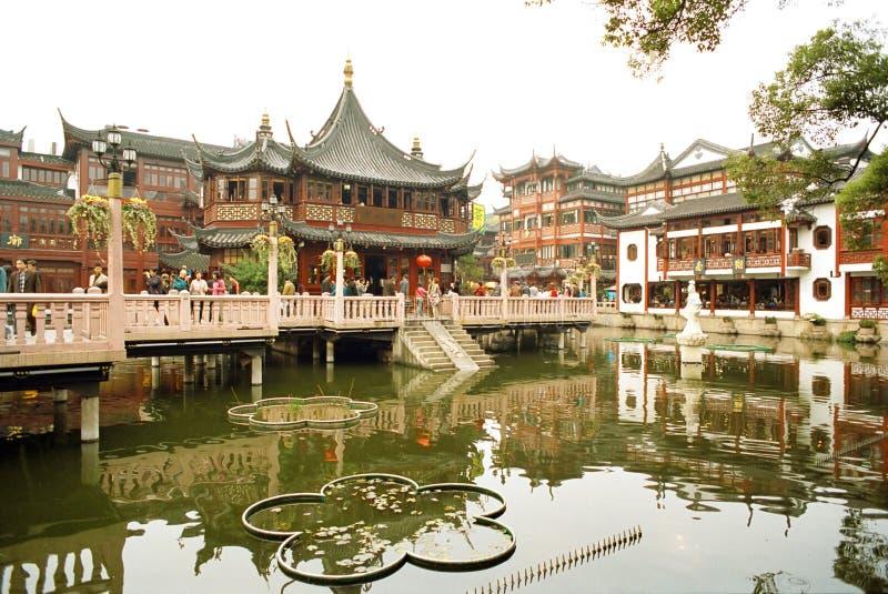 gammalt s shanghai tempel för stadsgud arkivfoton