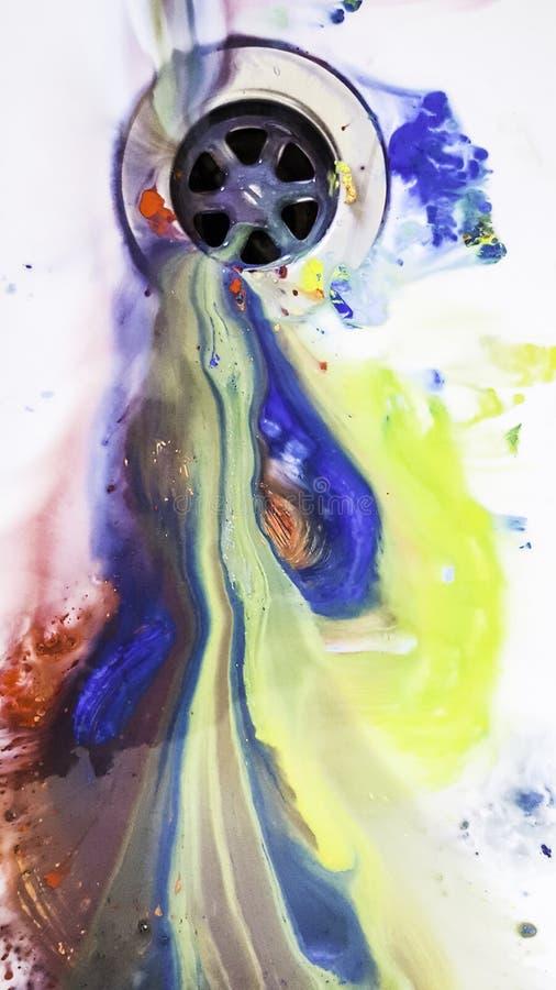 Gammalt smutsa ner borstar med färg arkivfoton