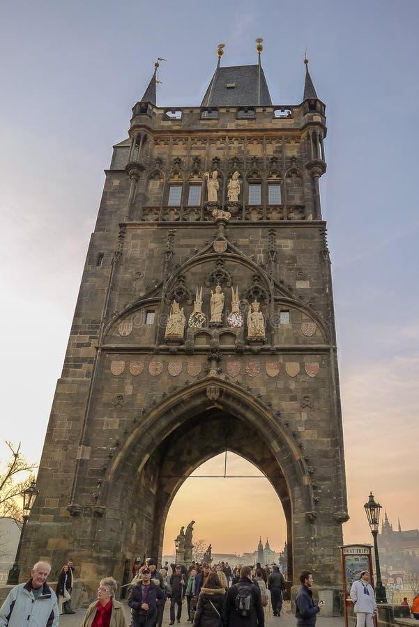 Gammalt stadbrotorn i Prague royaltyfri foto