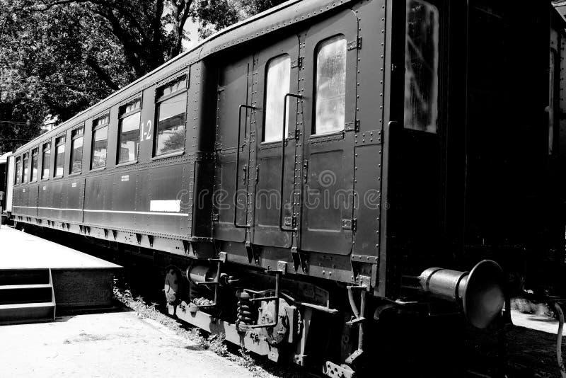 Gammalt svart industriellt vagndrev, Belgien arkivfoto