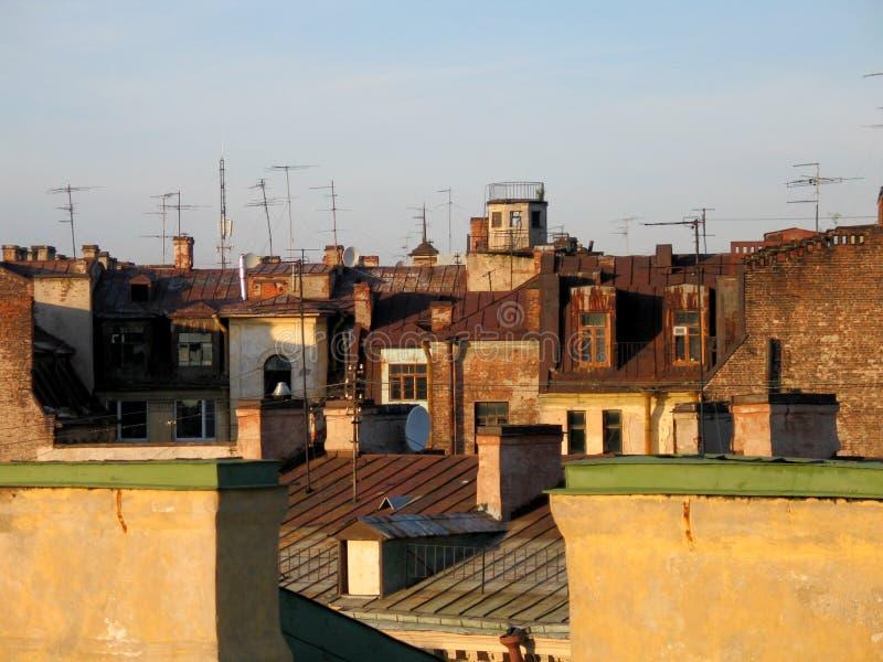 gammalt tak för stad arkivfoton